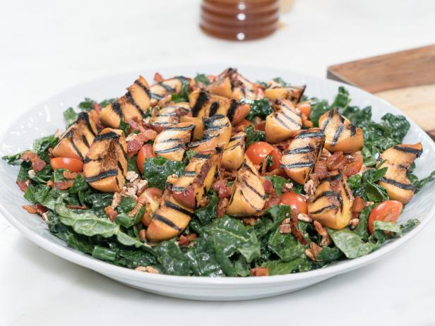 #MenuMonday: Grilled Peach and Bacon Salad